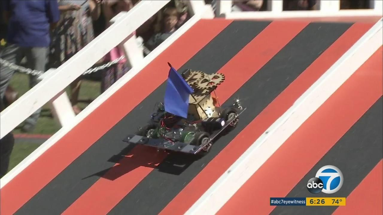 For more than 30 years mechanical engineering students at Caltech have been challenged to build robots for an annual race.