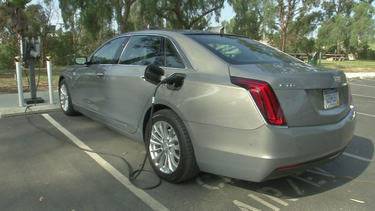 A Cadillac CT6 Plug-In is shown in a photo.