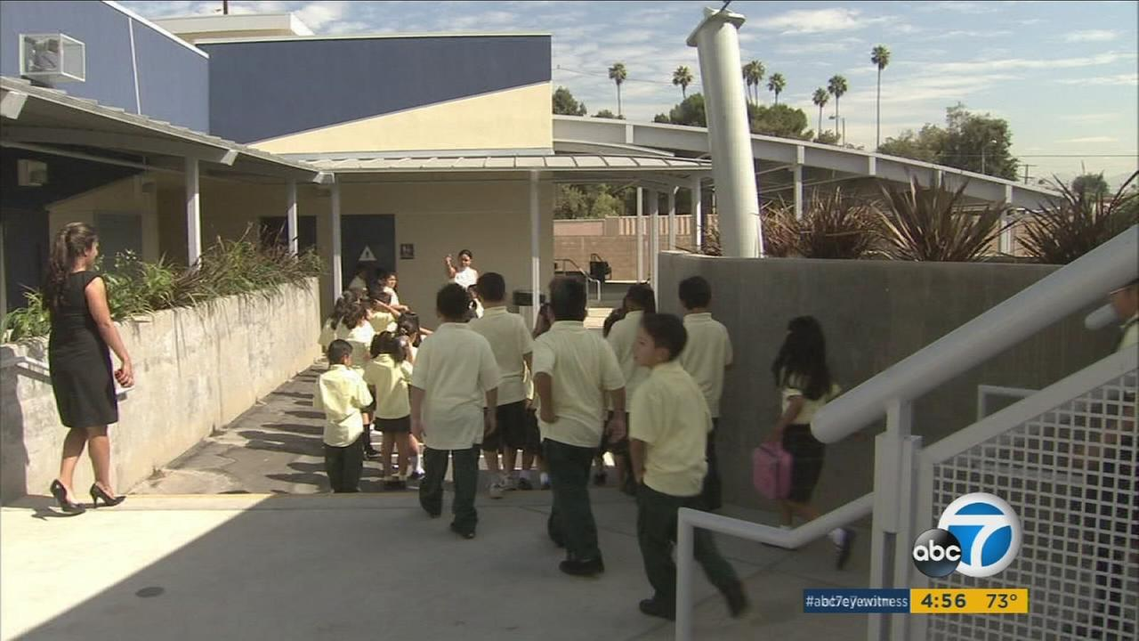 Los Angeles has more charter schools than anywhere else in the country, but those schools arent making the grade, according to a report from a nonprofit advocacy group.
