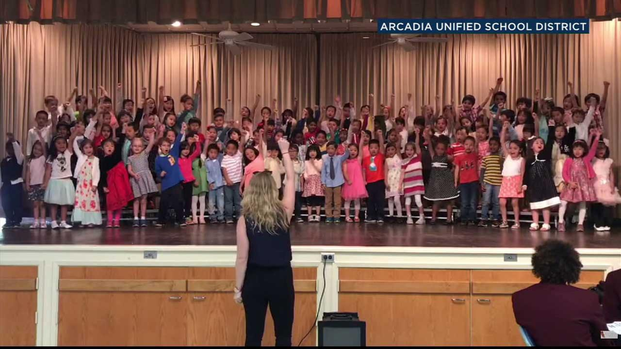 Kindergartners at Holly Avenue Elementary School perform to Justin Timberlakes Cant Stop The Feeling.