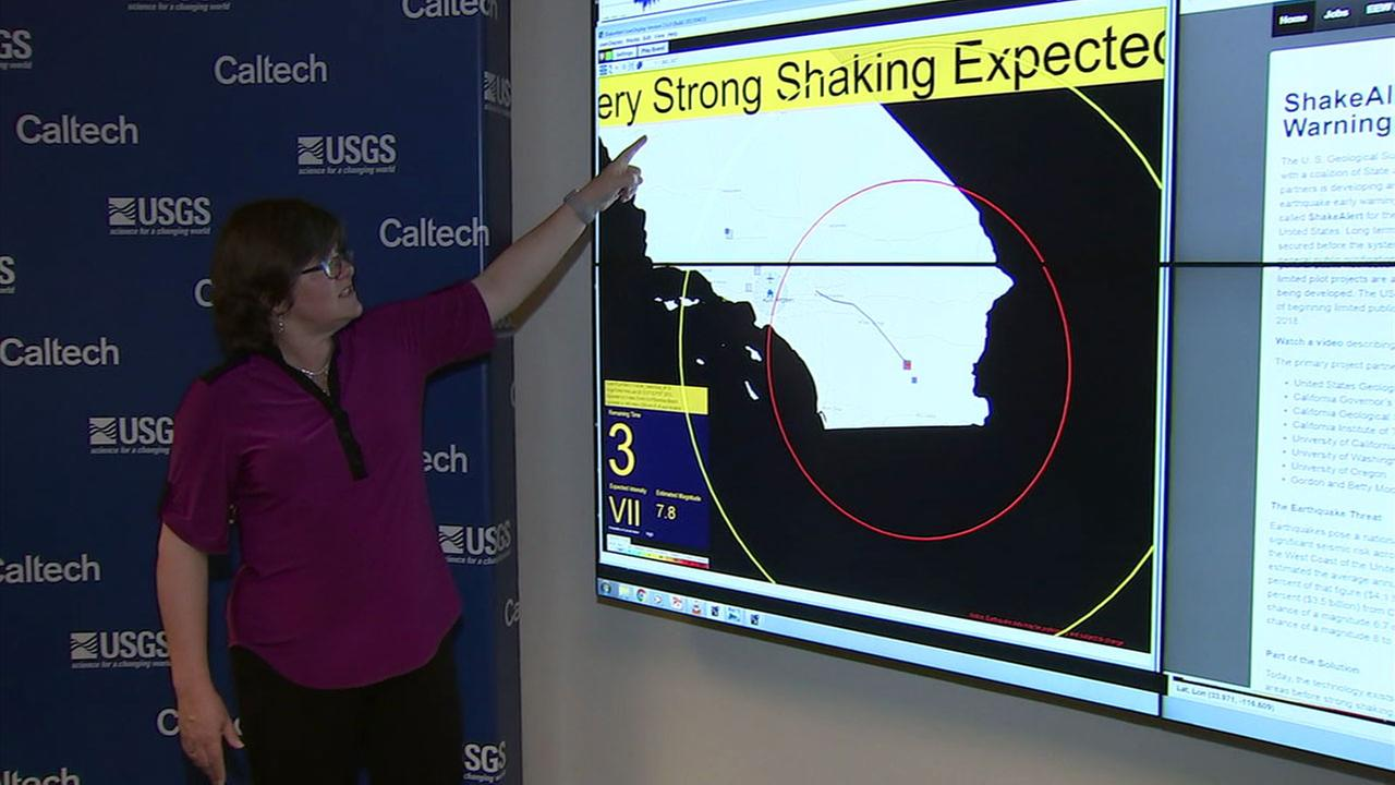 Dr. Lucy Jones shows what the early warning earthquake system would look like and how it would warn people.