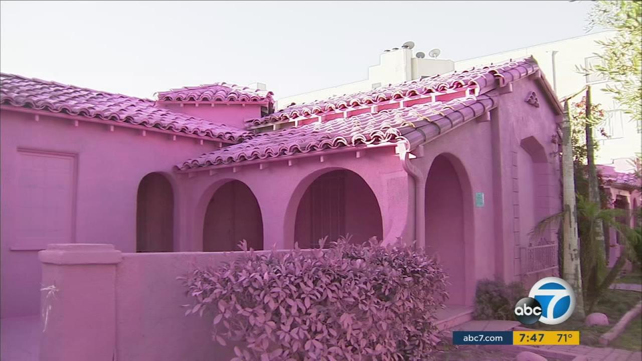 They were just vacant homes, but when Matty Mo, known as the most famous artist, was hired to add a splash of color, this mid-city neighborhood became an overnight sensation.