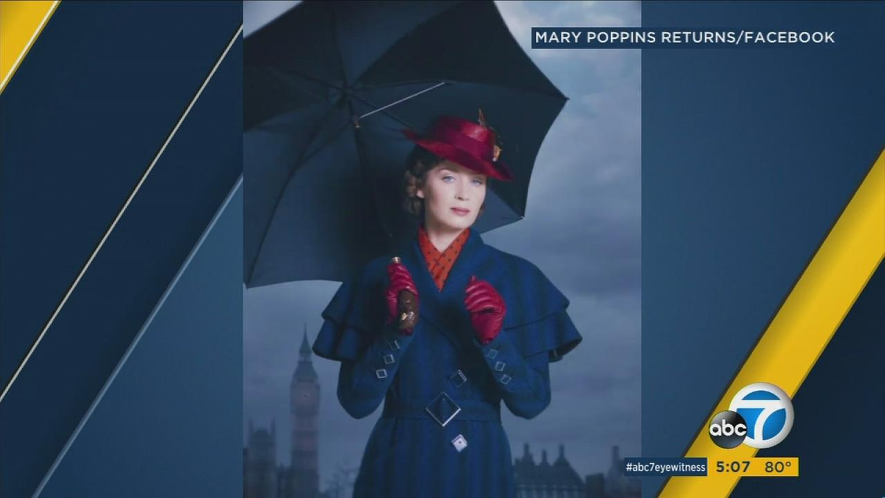 Emily Blunt is shown in a clip as her character Mary Poppins for the sequel Mary Poppins Returns.