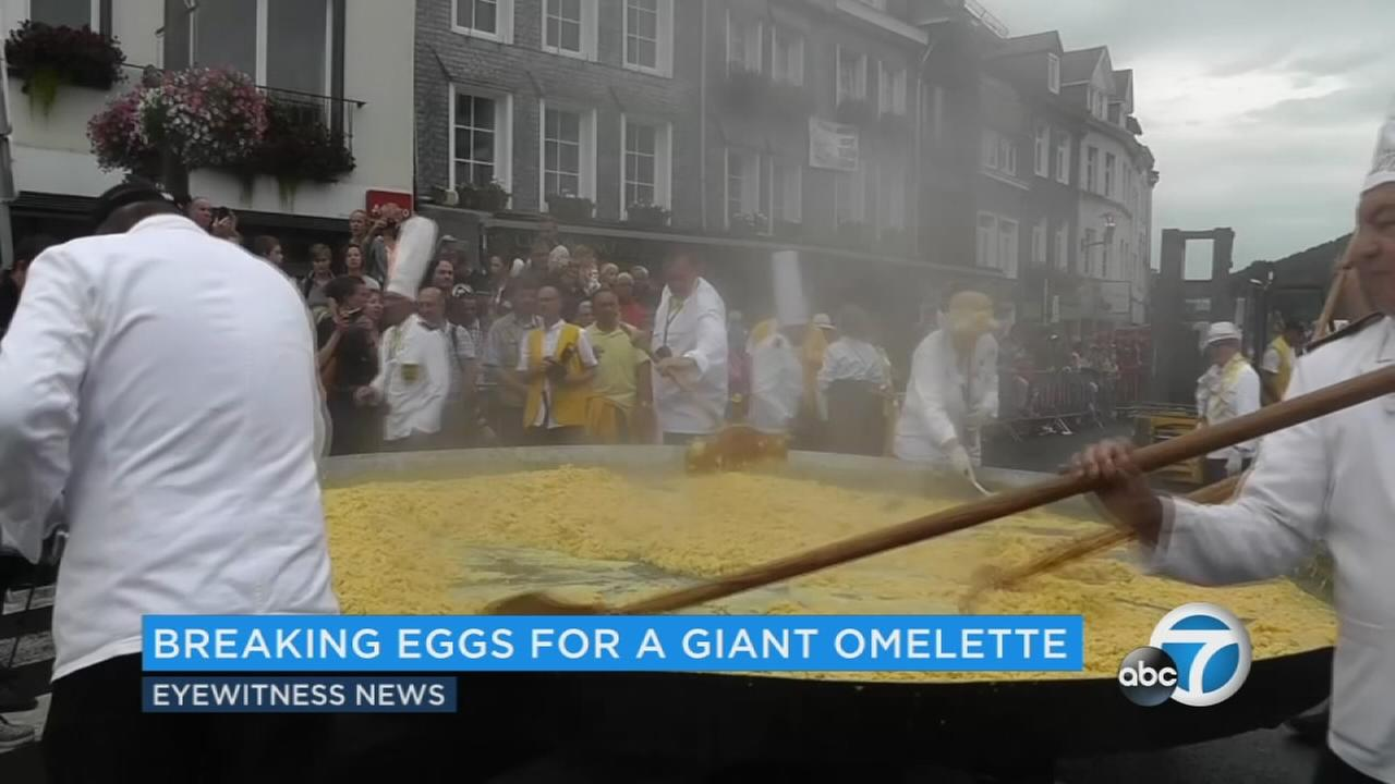 A small Belgian town made an omelette with 10,000 eggs for its annual festival, despite concerns about tainted eggs in Europe.