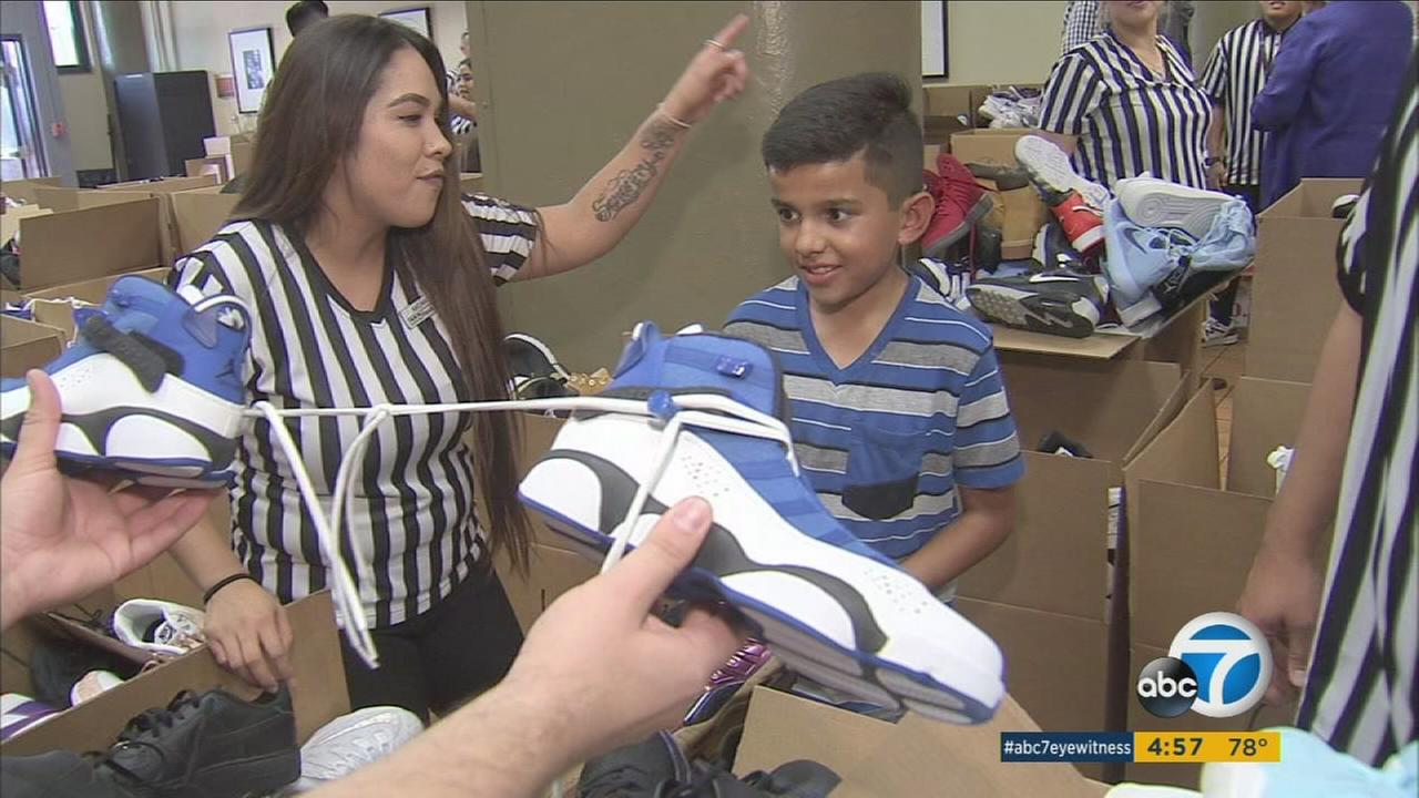 100517-kabc-4p-free-shoes-vid