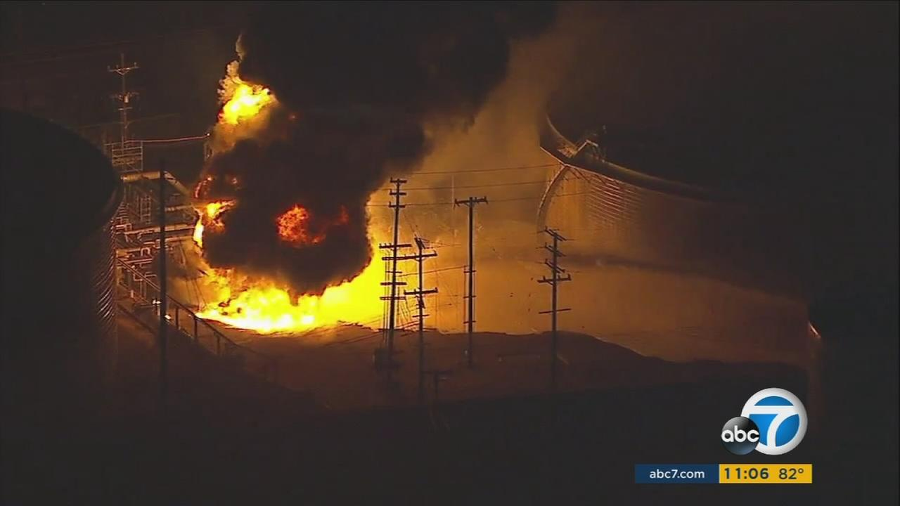 101817-kabc-md-refinery-fire-vid