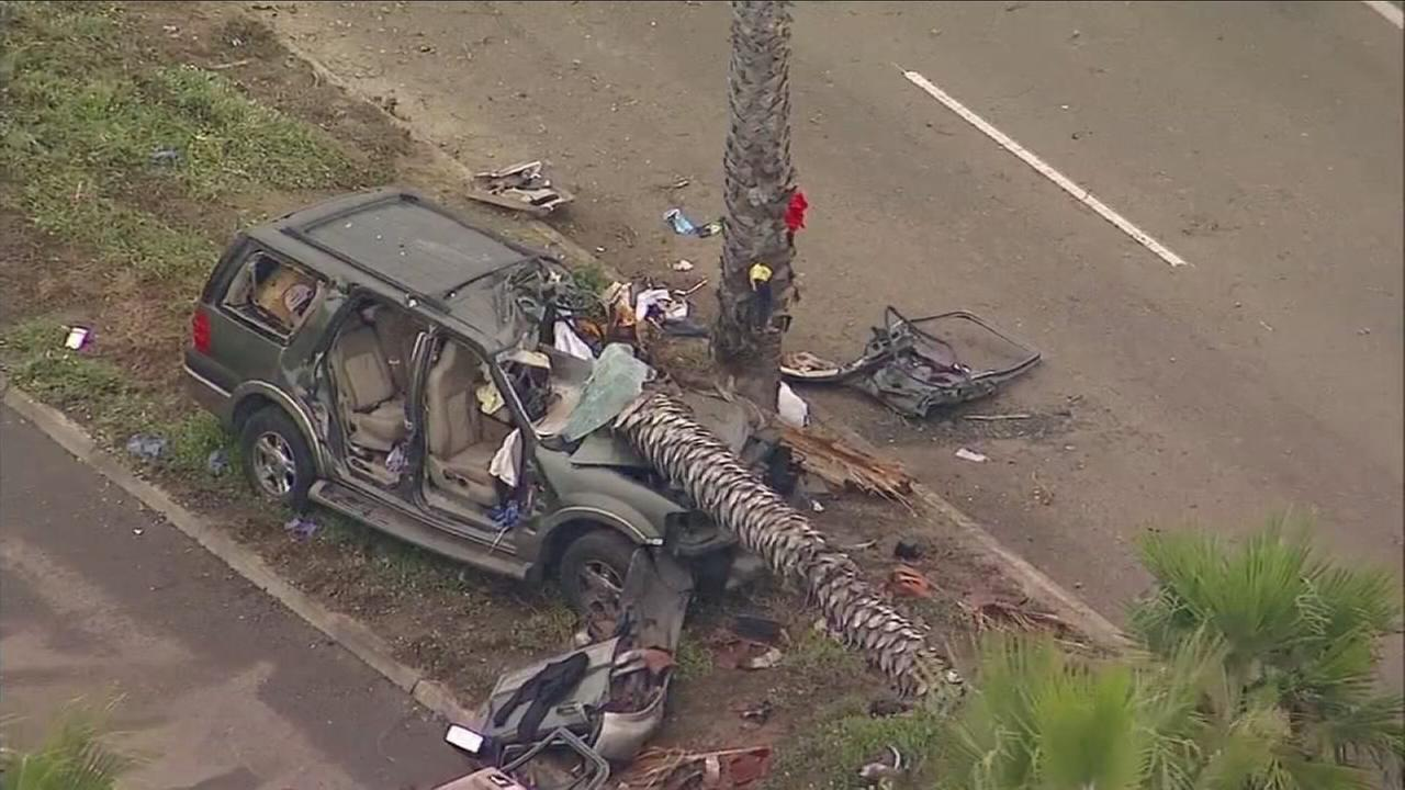 Three teenagers were killed and three others injured Wednesday morning when an SUV slammed into a palm tree in Oxnard, authorities said.