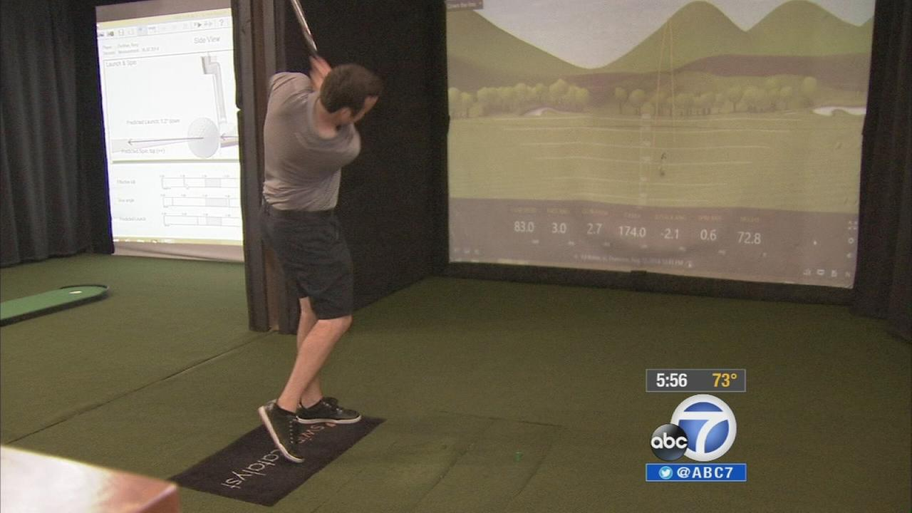 Amateur and professional golfers are using high-end technology indoors to perfect their game on the golf course.