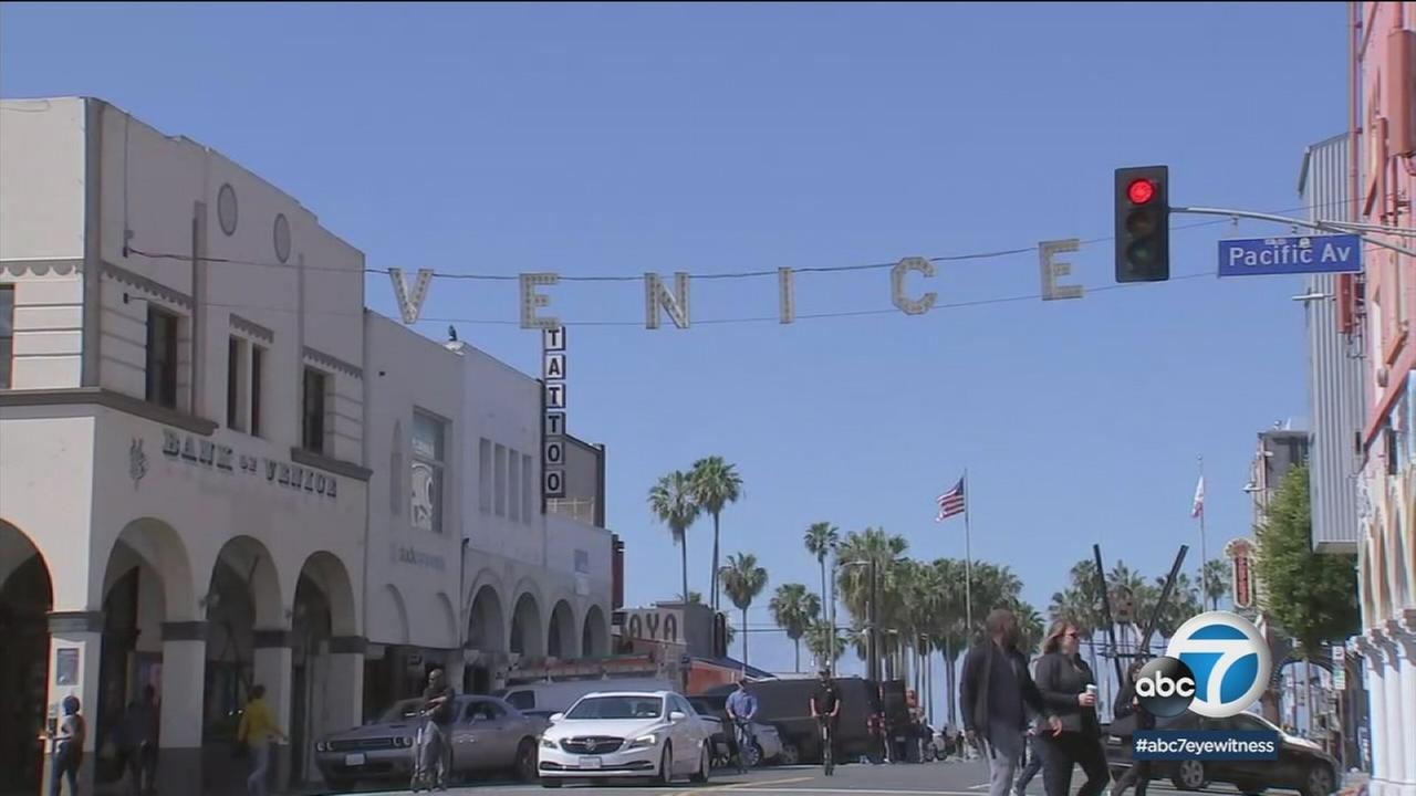 The popular sign for Venice is shown.