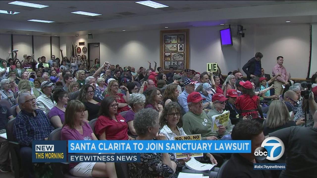The Santa Clarita City Council voted unanimously to become the latest Southern California city to break from the states sanctuary law and join a federal lawsuit against it.