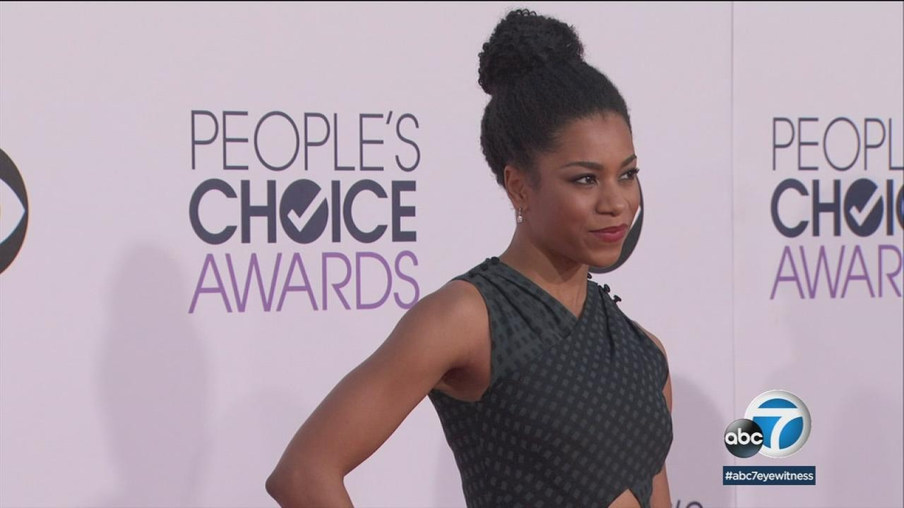 During the regular TV season, youll find Kelly McCreary saving lives as Dr. Maggie Pierce on Greys Anatomy - but this summer shes on a Los Angeles stage in Skeleton Crew.