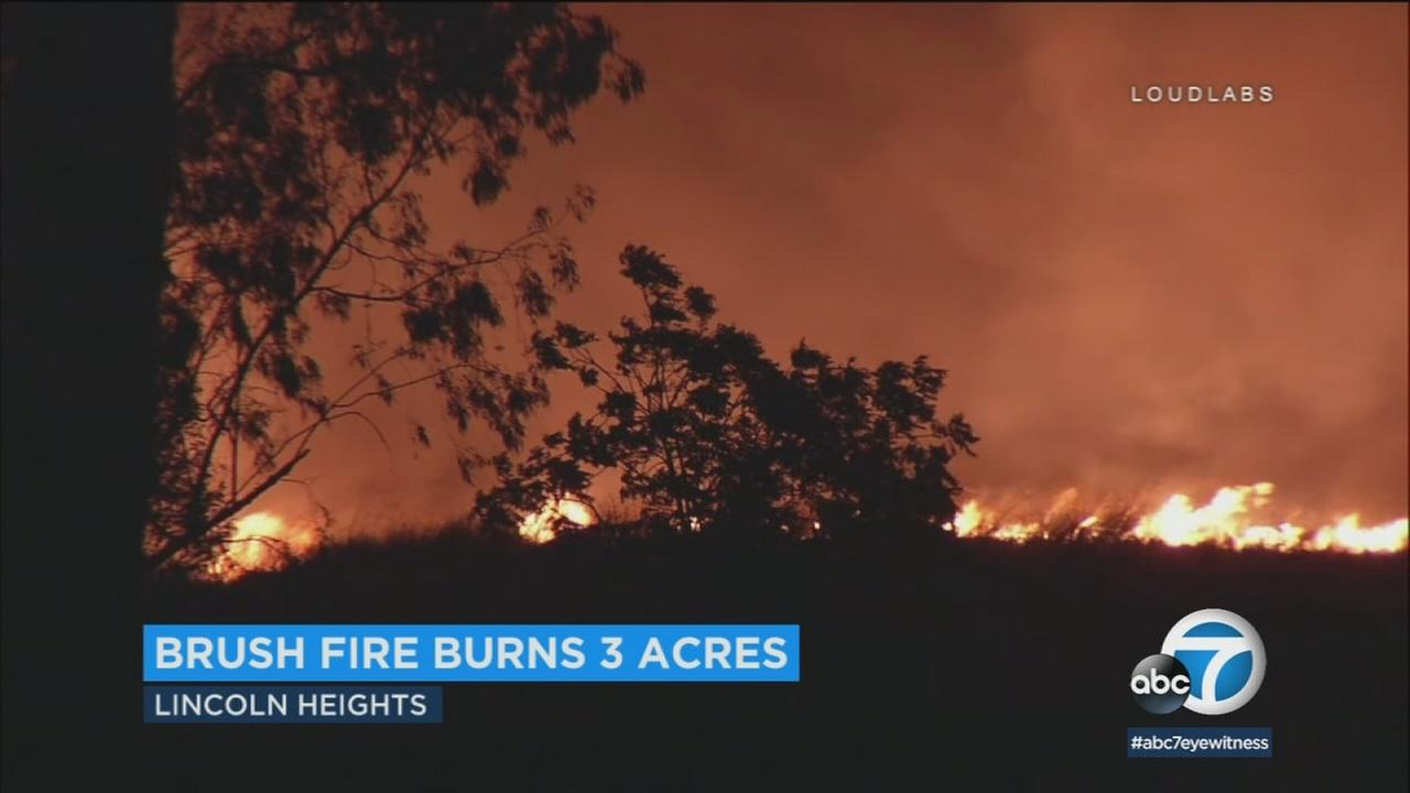 A small brush fire that broke out in Lincoln Heights amid hot and dry conditions late Friday night was knocked down within two hours.