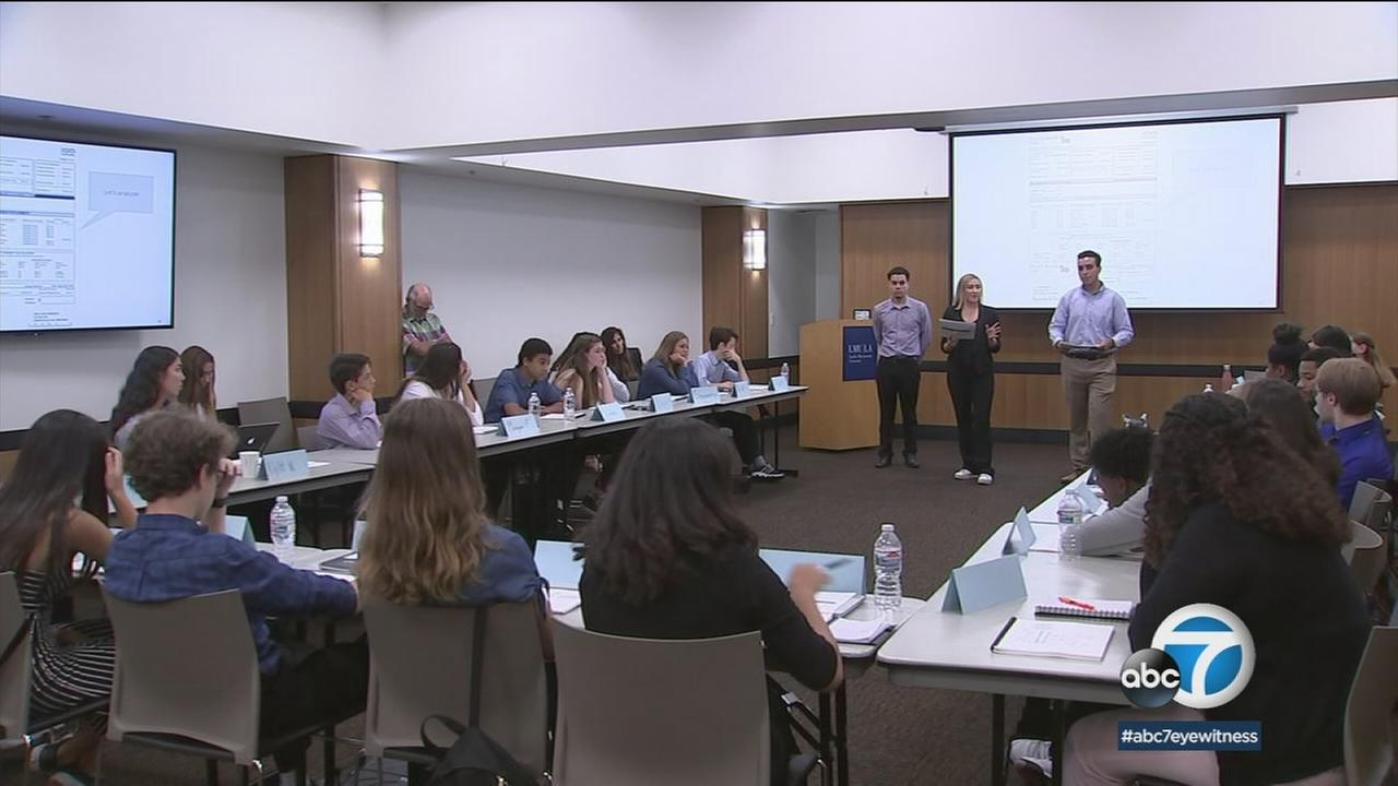 A group of young college students at Loyola Marymount University is trying to stop the next generation of kids from making financial mistakes.