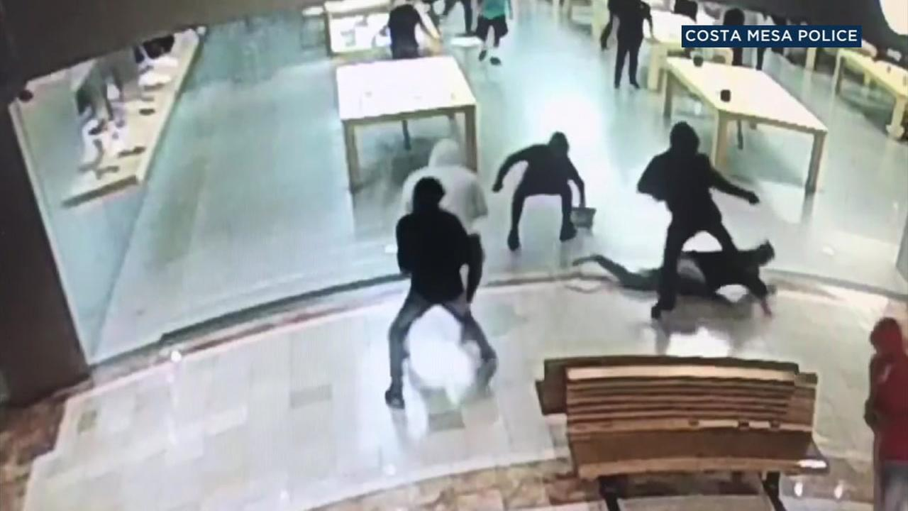 The heist involved $29,000 worth of iPhones and iPads that were on display at the south coast Plaza location.