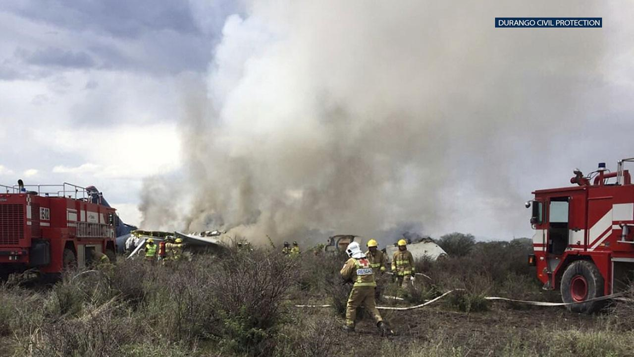 An Aeromexico airliner crashed after taking off in the northern state of Durango on Tuesday, but the states governor said there were no deaths in the accident.