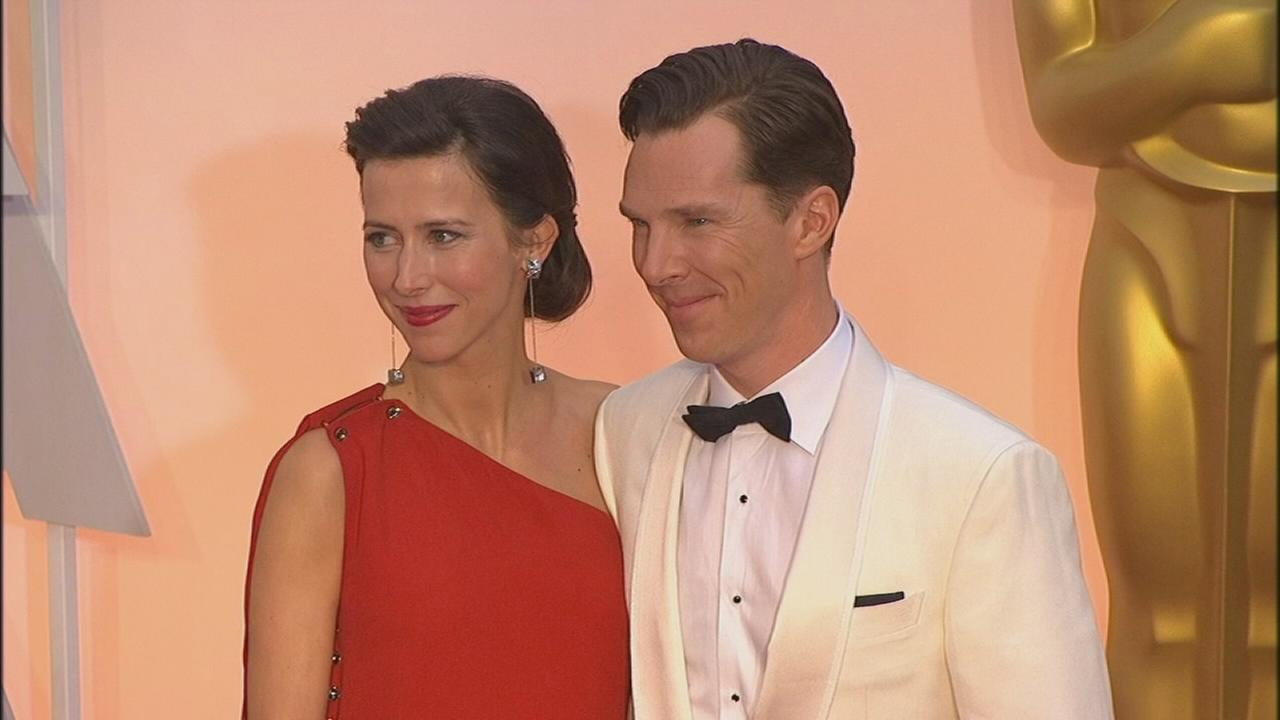 Newlyweds Benedict Cumberbatch and Sophie Hunter look great together on the red carpet.
