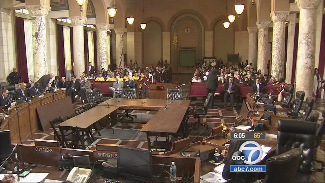 A Los Angeles City Council committee voted Wednesday in favor of boosting the minimum wage to $15 by 2020.