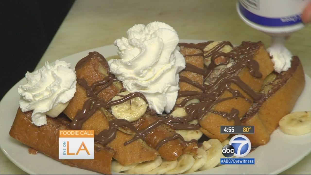 Eye on L.A. host Tina Malave checks out a beach bums dream cafe in Santa Monica.