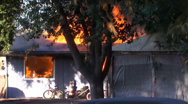 Fire officials investigate West Central Fresno fire that leaves family without home