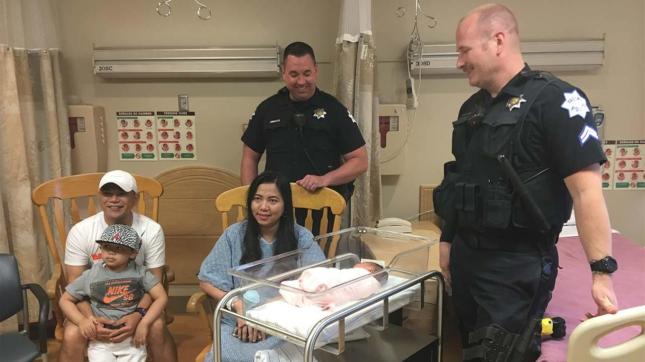 Fresno police officers help pregnant woman deliver baby