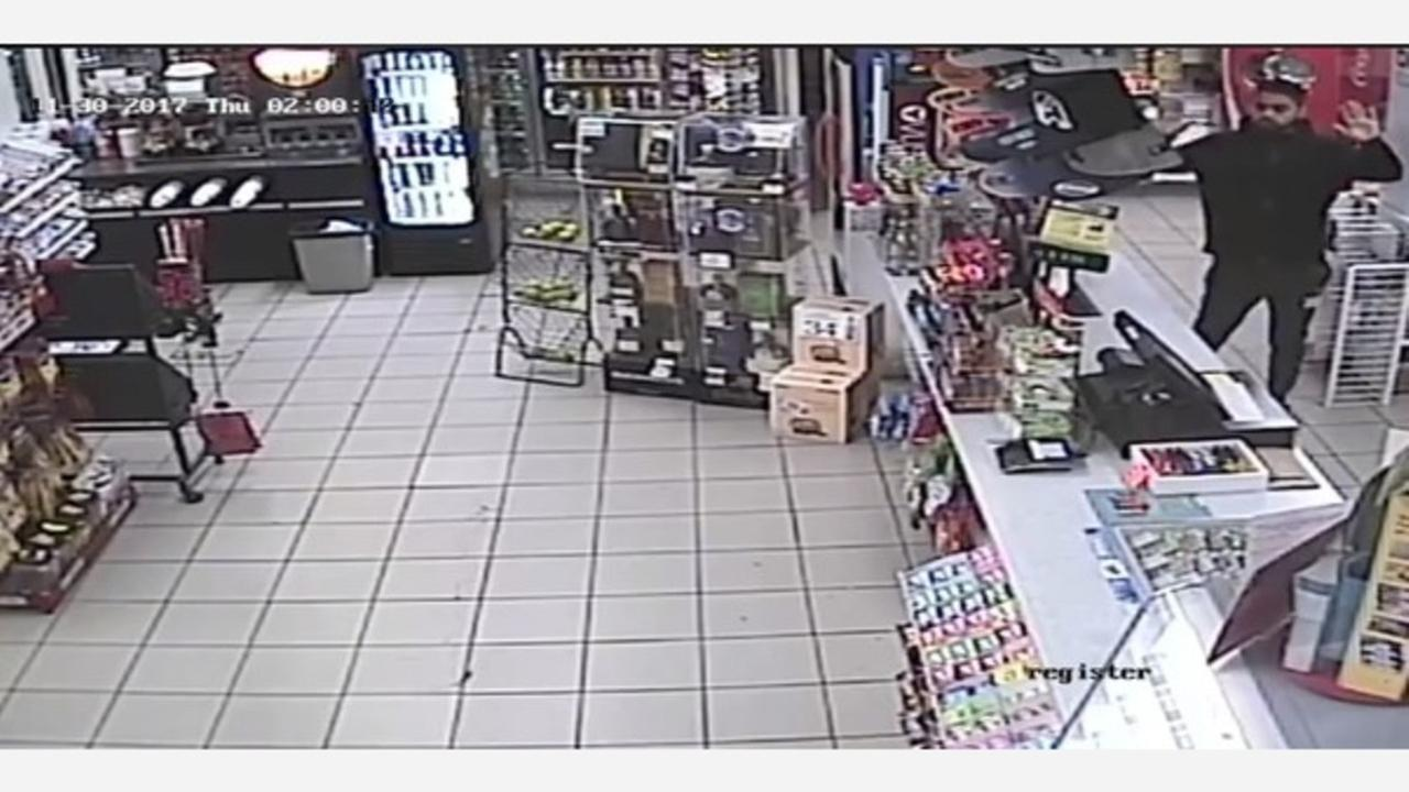 (VIDEO) Madera store clerk ordered to floor by robbery suspects