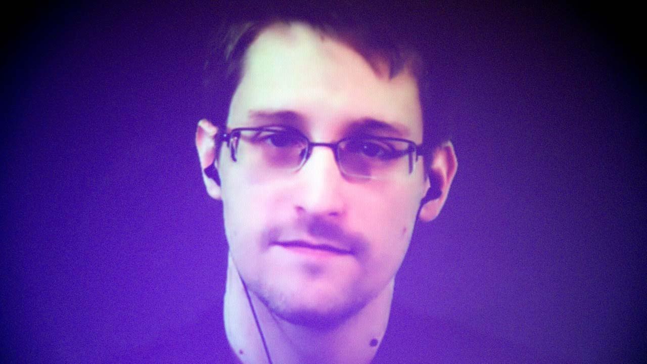 Edward Snowden unveils phone app to spy on spies