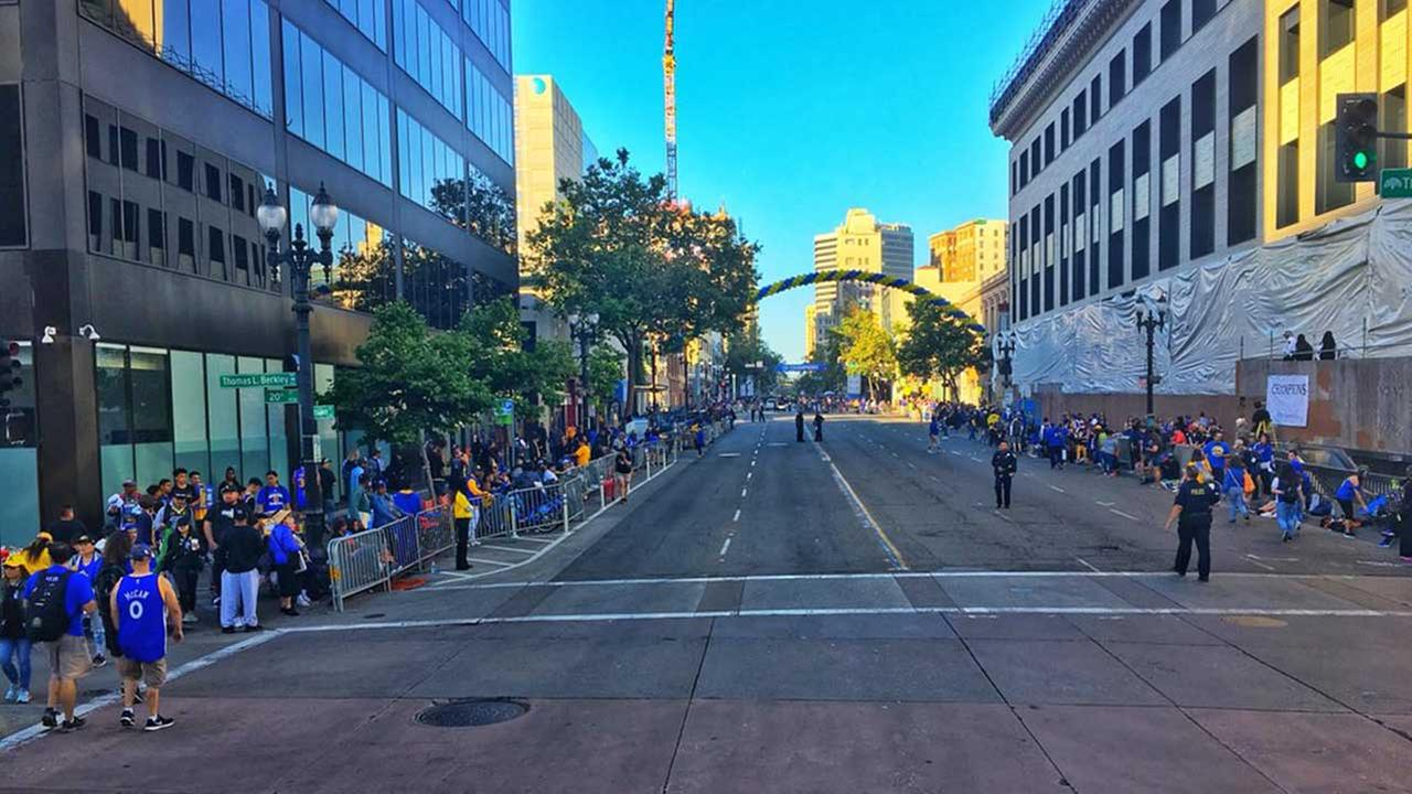 WATCH LIVE: Streets of Oakland abuzz as Warriors fans celebrate
