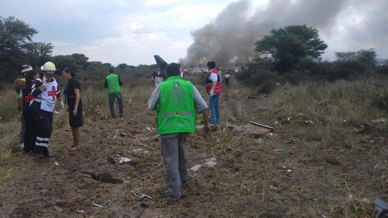 Aeroplane crashes after take-off in Mexico