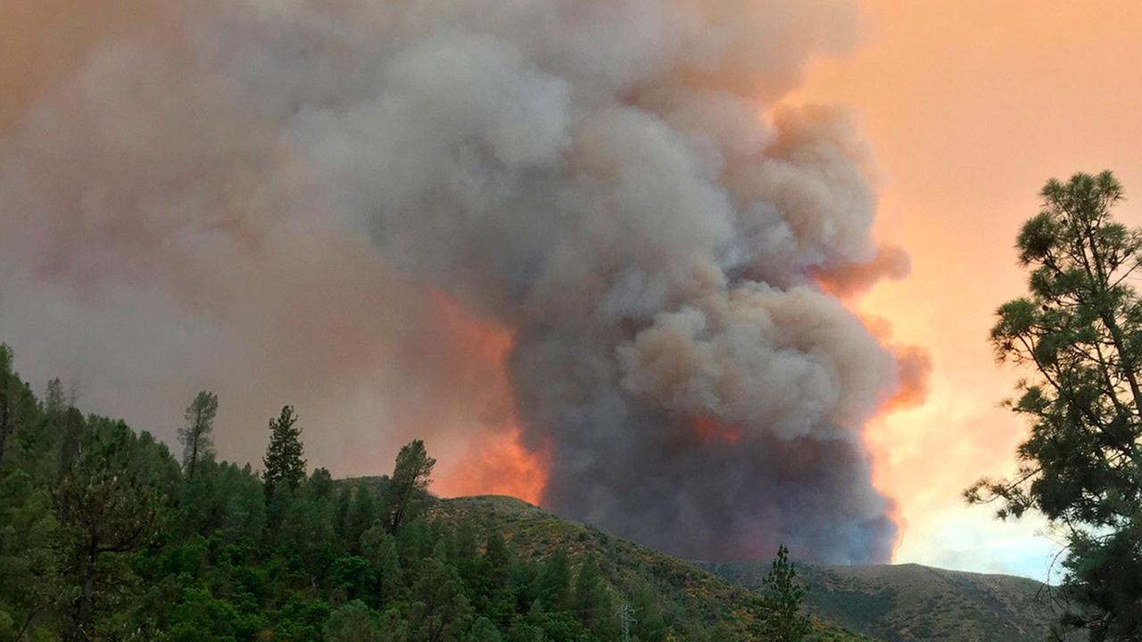 Evacuations from Ferguson Fire to be lifted for Foresta tomorrow