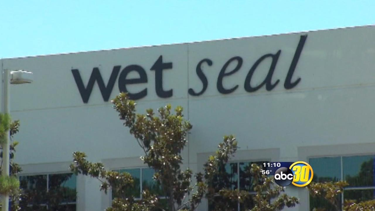 More than 300 Wet Seal stores closing