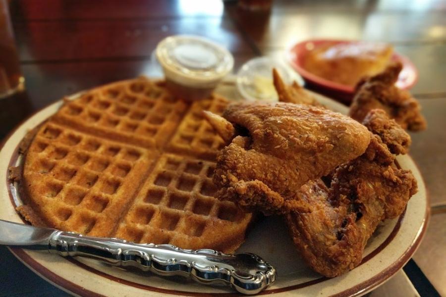 Chef Pauls Cafe. | Photo: Richard T./Yelp