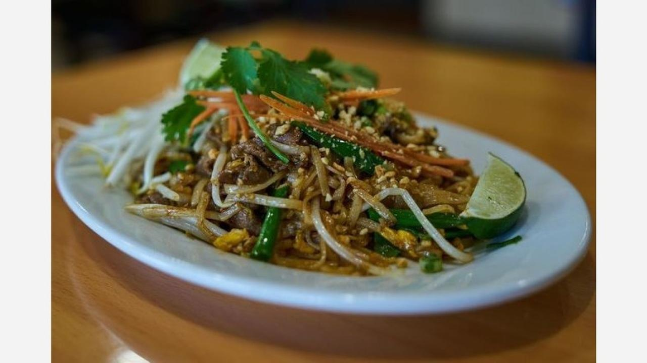 Beef pad thai from Mamas Asian Noodle House. | Photo: Tanya C./Yelp