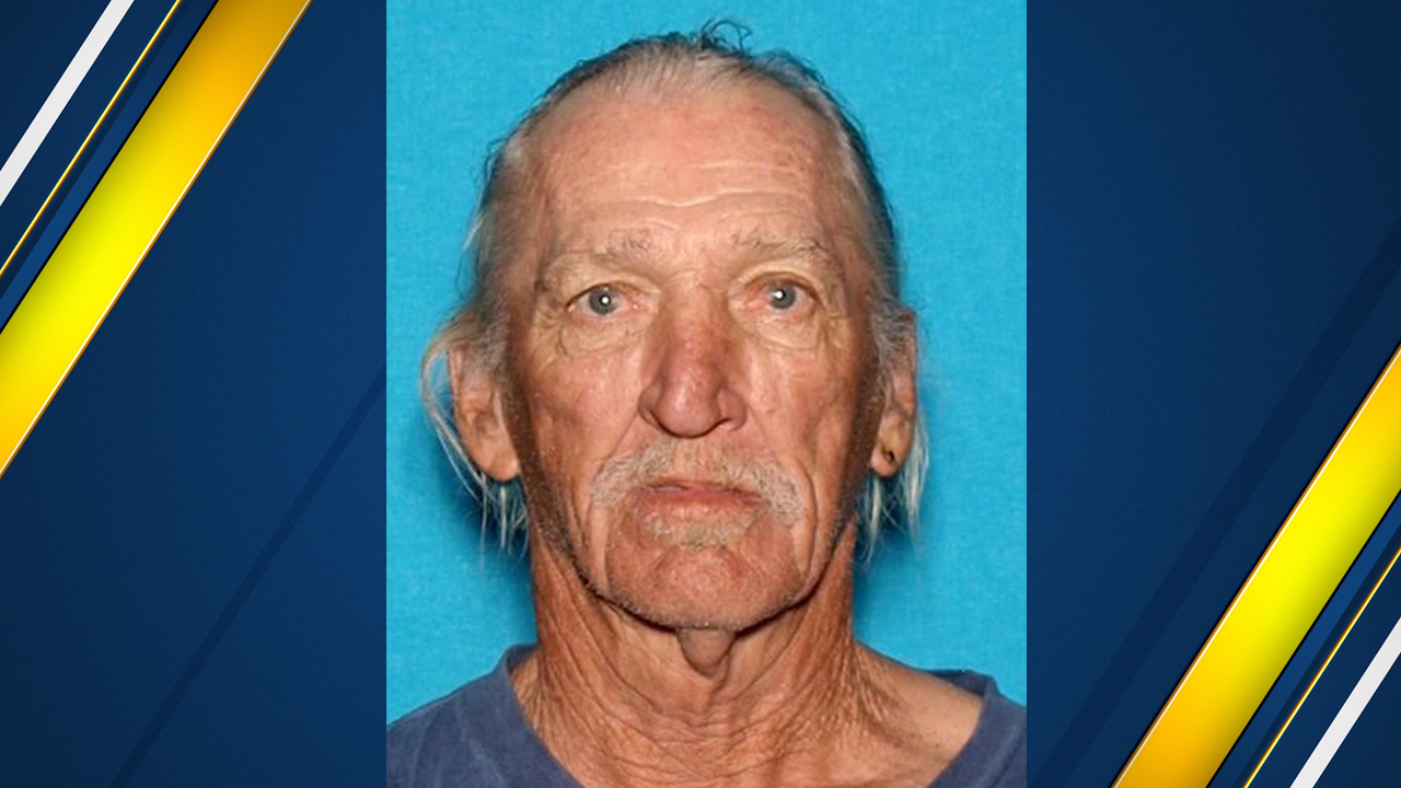 Tulare Co. deputies searching for family of man killed in crash