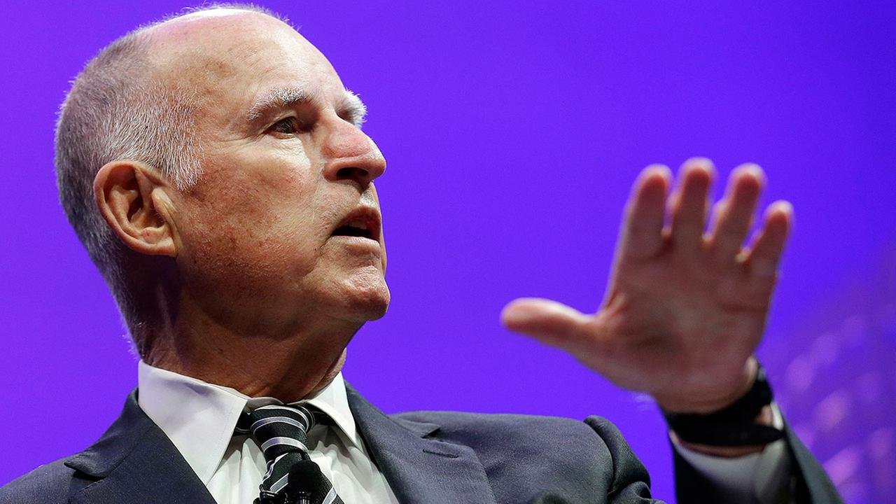 Brown says Syrian refugees to California will be vetted