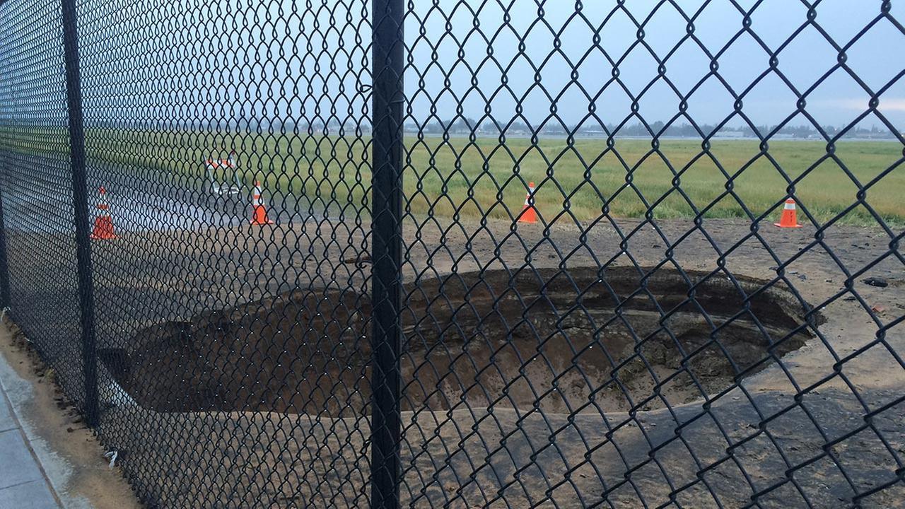 Water main break causes sinkhole to open in Fresno
