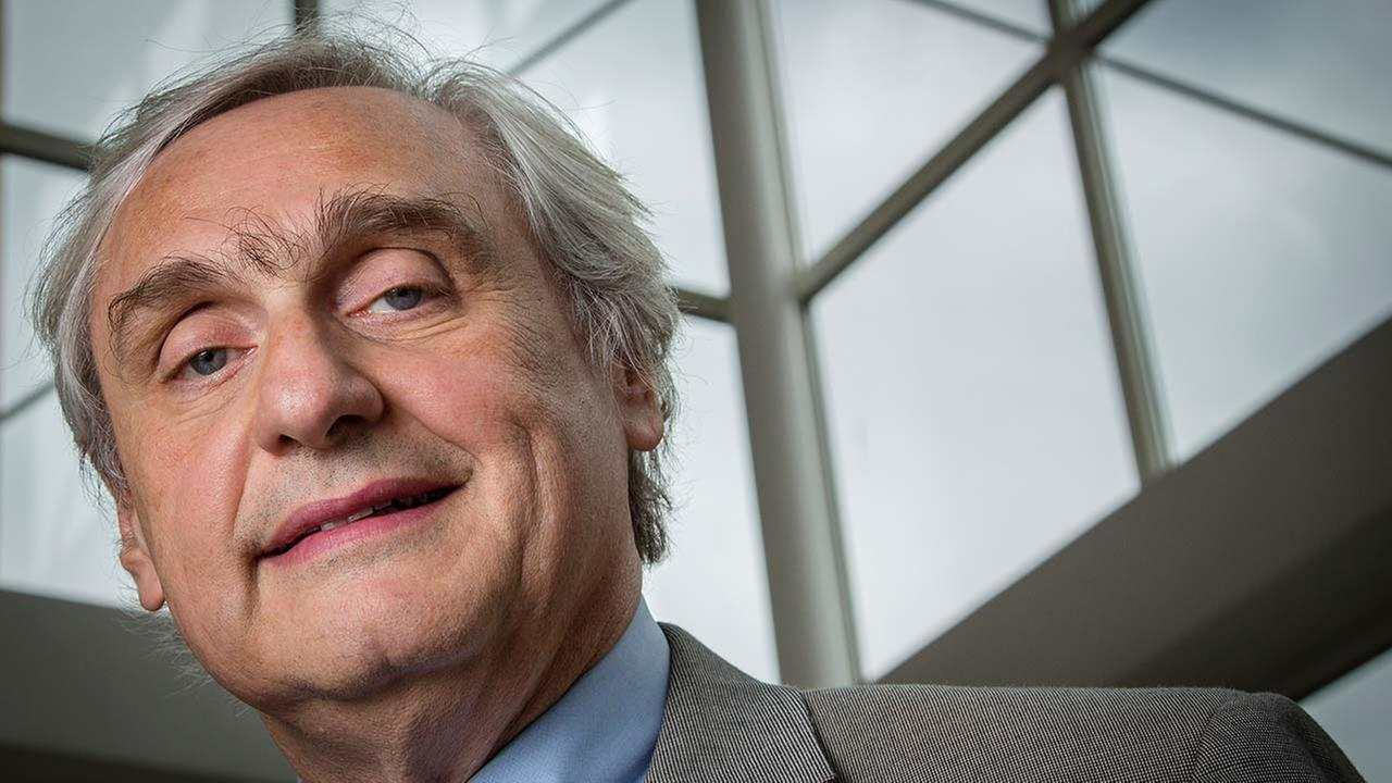 FILE - Judge Alex Kozinski