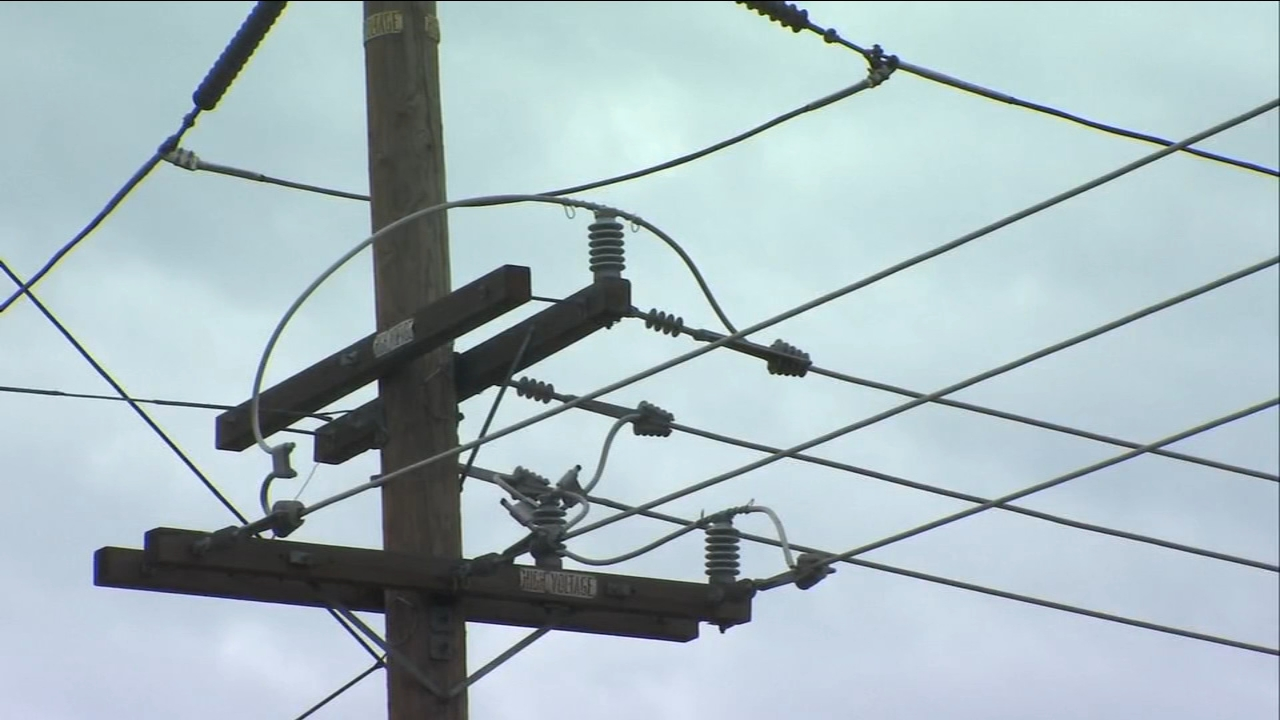 Local PG&E crews prepare for damage caused by high wind speeds