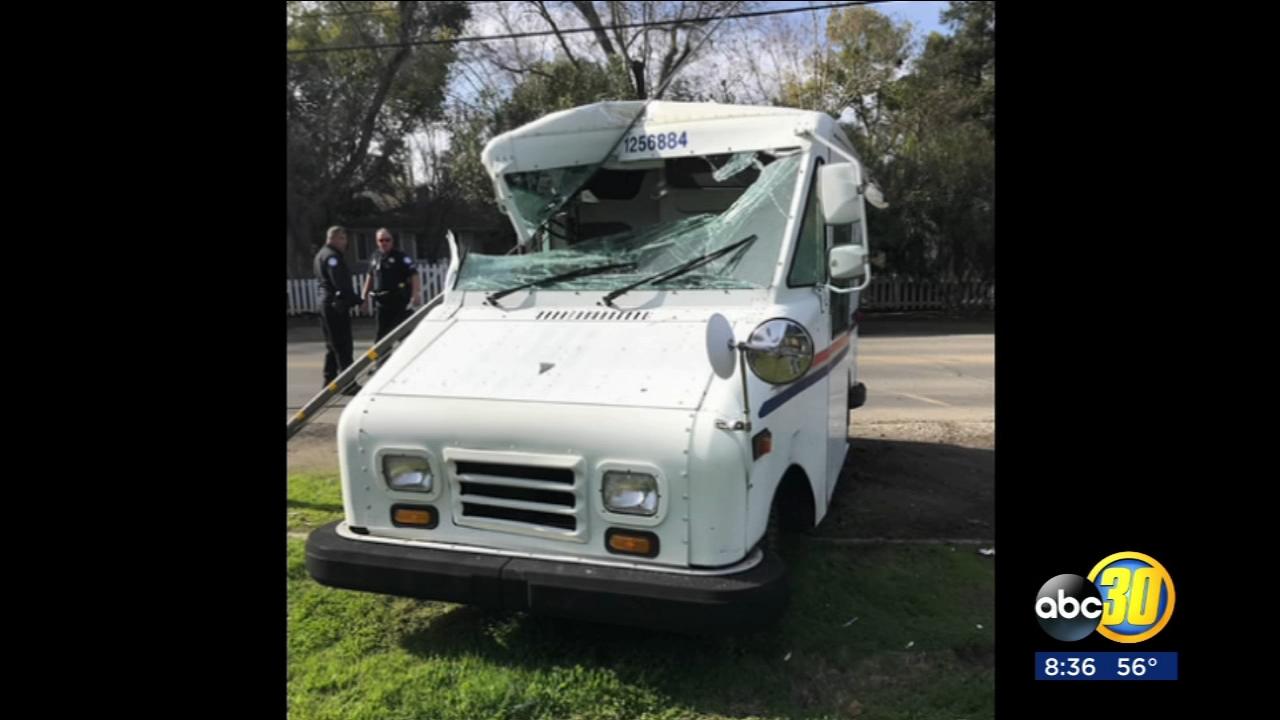 Man steals mail truck, crashes in Northwest Fresno