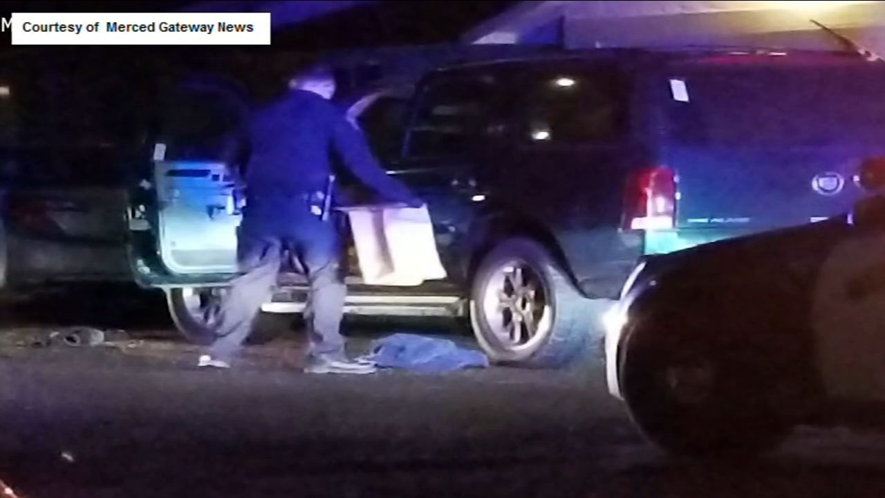 ?A man was stabbed near the Merced Mall on Sunday night, but officers found the victim several blocks from the initial scene.