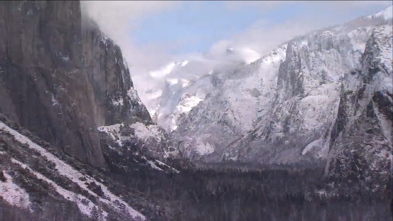 Visitors flock to reopened Yosemite National Park after storm