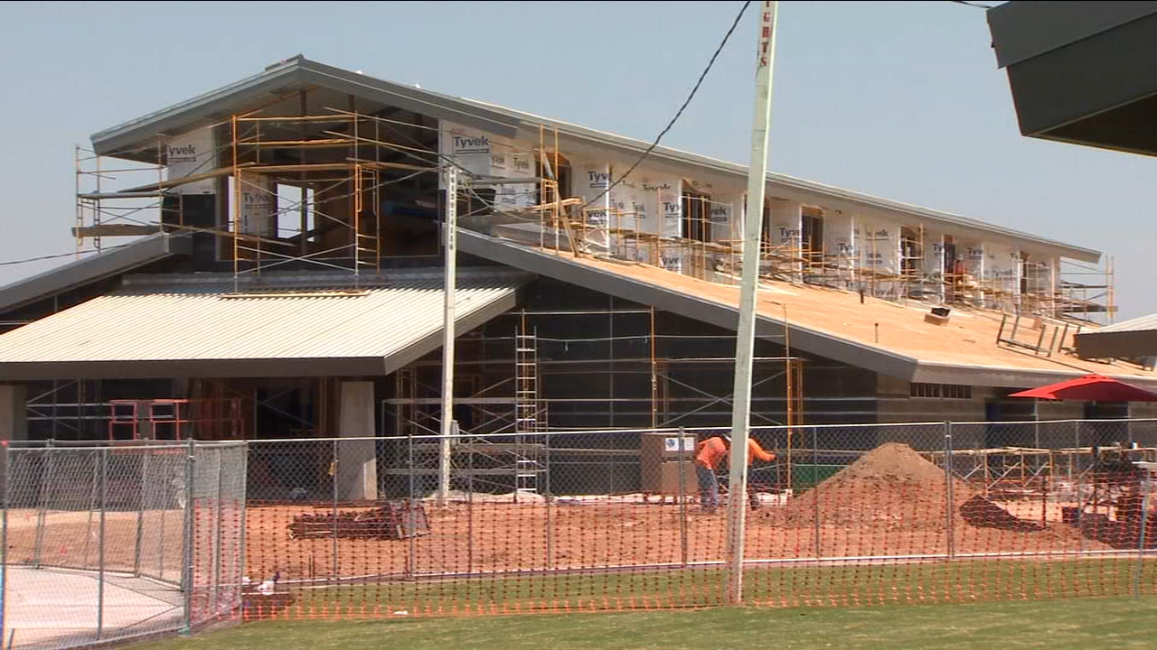 Homes are still going up in the new Madera County community of Tesoro Viejo, but in the middle of all the construction, an elementary school has already opened its doors.