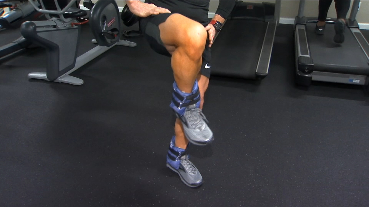 When working at home or in a gym you want to try a variety of exercises.