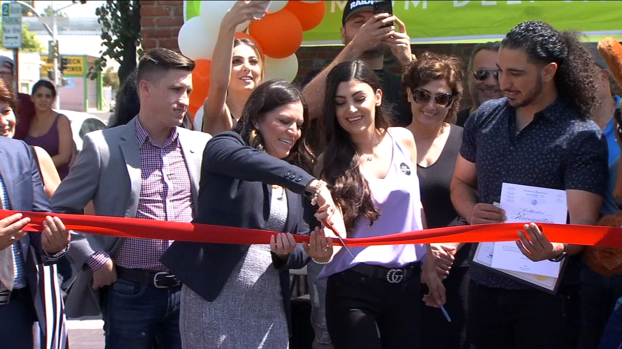 Deli Delicious celebrated the grand opening of a new restaurant Thursday in Fresnos Tower District.