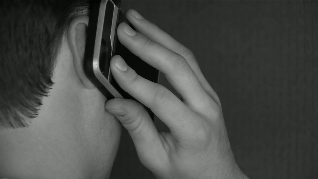 The Tulare County Sheriff's Office is warning the public about two recent phone scams.
