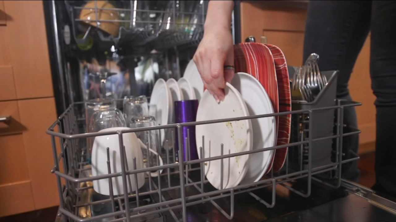 Consumer Reports expert testing helps you find the best-performing dishwashers.