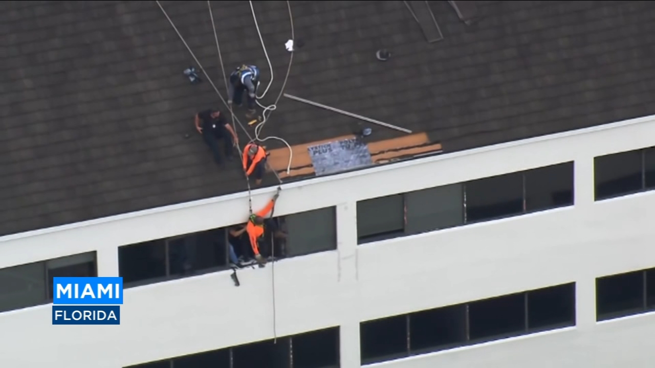 A dramatic scaffolding rescue in Miami, Florida was caught on camera on Thursday.  A roofer was working at this office building when he slipped and fell.