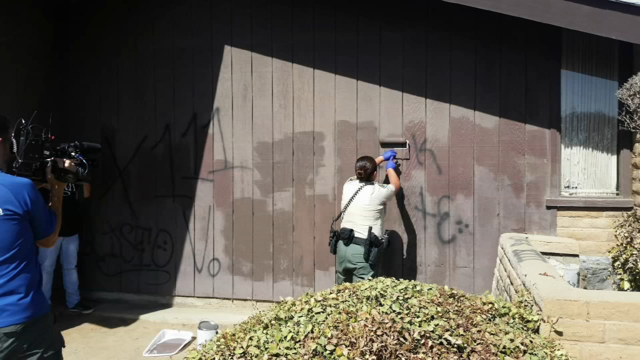 Tulare County Church Pastor didnt report graffiti, but an Officer spotted it and decided to do something about it