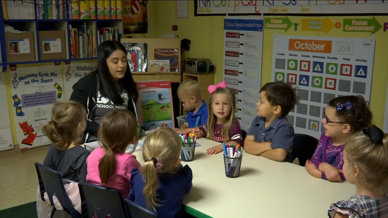 Northeast Fresno academy teaching preschool children Spanish