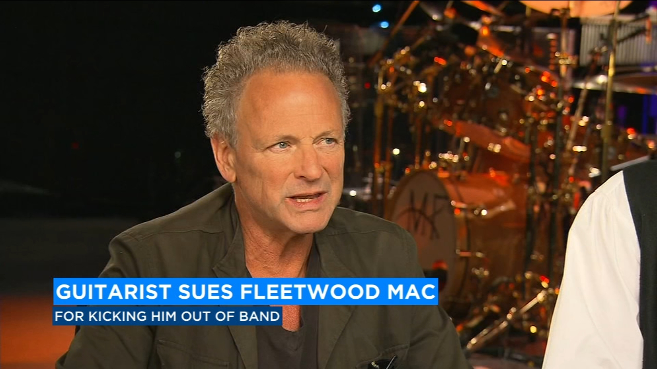 Fleetwood Mac guitarist Lindsey Buckingham sues bandmates