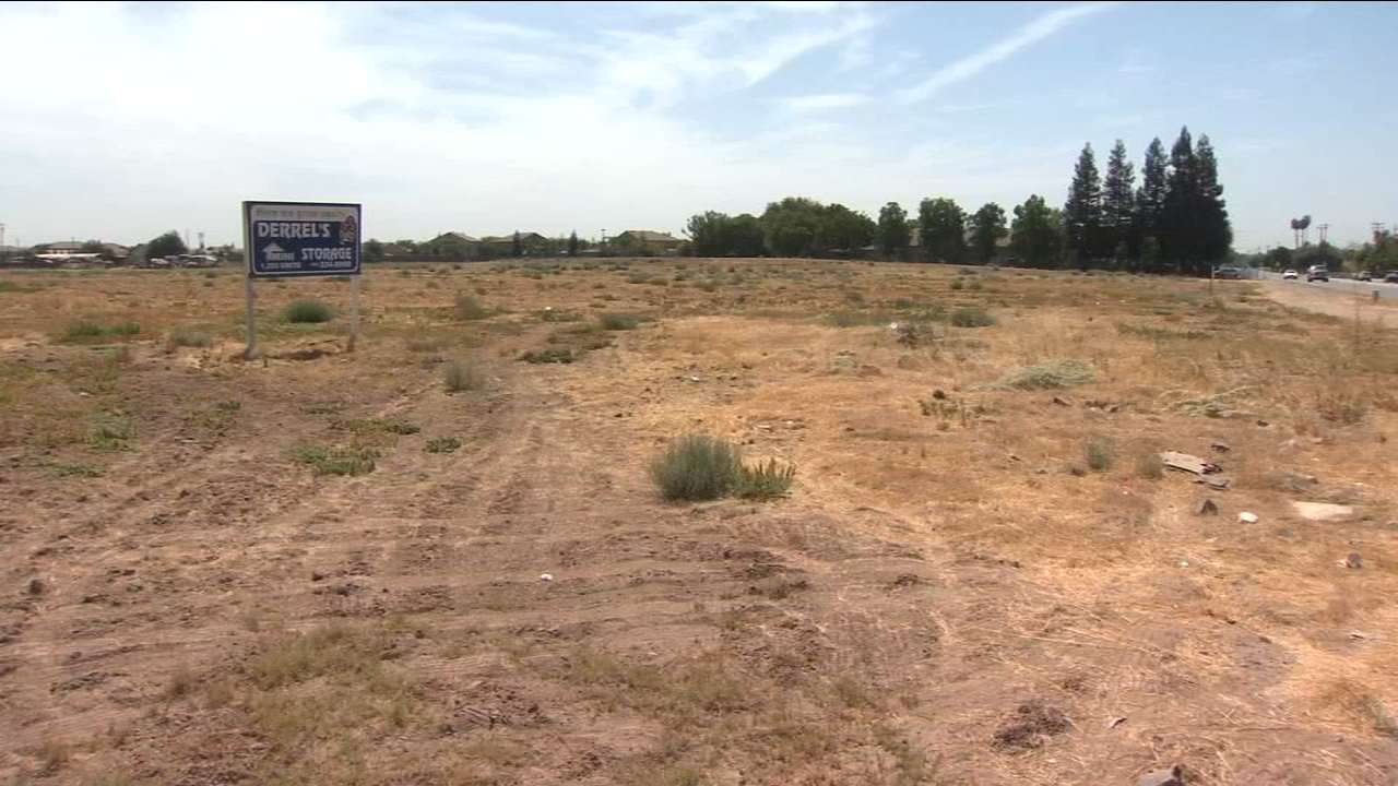 The proposal to build a pet adoption center on property at Grantland and Parkway in Northwest Fresno has been fraught with controversy.